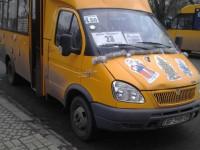 Фотофакт: по Запорожью разъезжает новогодняя маршрутка