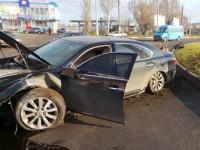 В Запорожской области иномарка «перелетела» через клумбу (Фото)