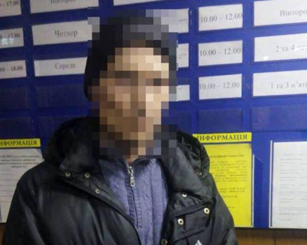 В Запорожье пассажир маршрутки задержал карманника