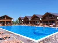 У владельца элитной базы на запорожском курорте арестовали имущество