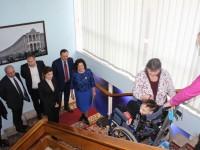 Подарок жены Президента протестировали в Запорожской ОГА (Фото)
