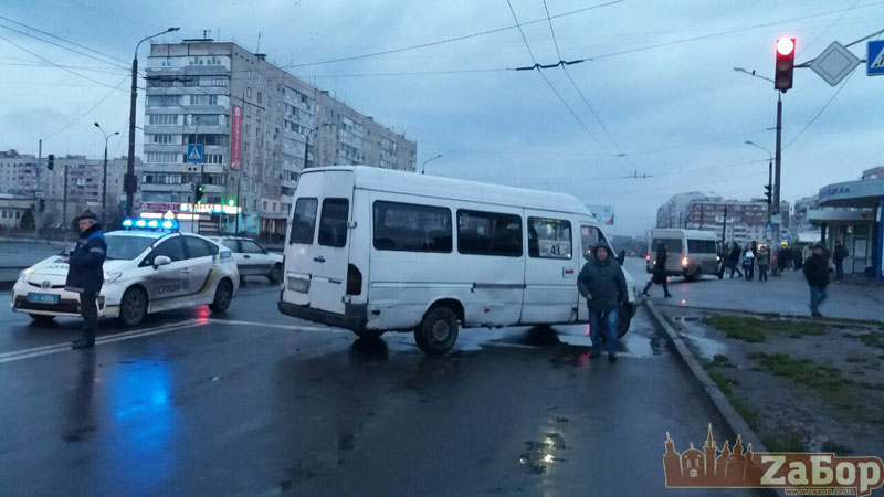 НаПесках маршрутки сбил пешехода— пострадавшая вреанимации