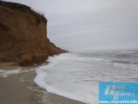 На запорожском курорте Азовское море «съедает» пляжи