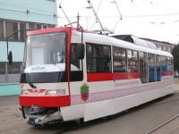 Фотофакт: на улицы города выехал четвертый собранный трамвай в Запорожье