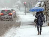 Трасса под Запорожьем из-за снегопада закрыта со вчерашнего вечера