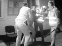 Запорожские патрульные избивали водителя, удерживая на холоде 6 часов (Видео)