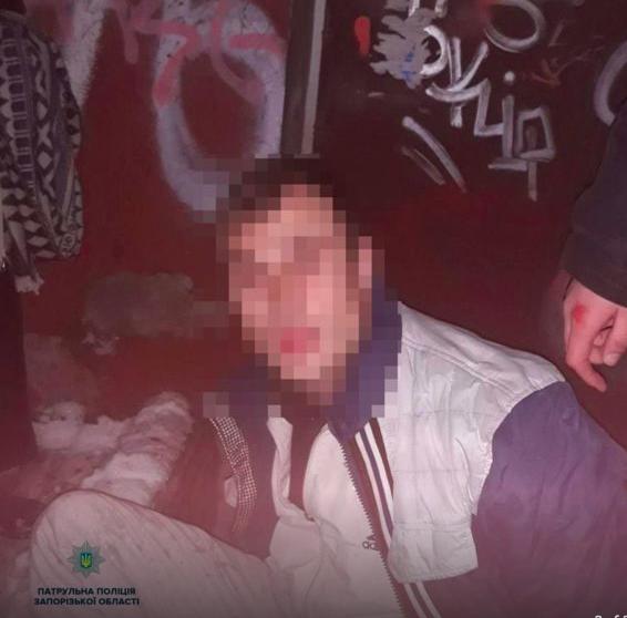 В Запорожье таксист задержал грабителя с женской сумочкой
