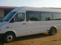 Запорожский маршрутчик возил пассажиров на Mersedes Sprinter со сломанными дверями