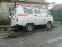 В Запорожской области «скорая» застряла в яме – понадобилась помощь спасателей