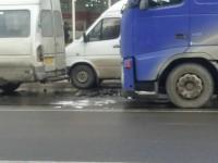 Турок на фуре врезался в центре Запорожья машрутку: понадобился переводчик