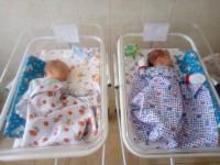 Новорожденные сыновья запорожского спасателя нуждаются в помощи