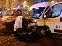 Опубликовано видео аварии «скорой» с грузовиком в центре Запорожья