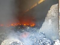 Владелец склада, на котором произошел масштабный пожар, не выходит на связь