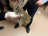 Главному запорожскому экоинспектору во время задержания отрезали карман (Видео)