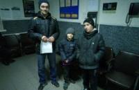В Запорожье двое детей ушли из дома, пока отец ходил за водкой