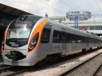 В пути загорелся запорожский поезд и пассажиры прибыли в столицу с пятичасовым опозданием