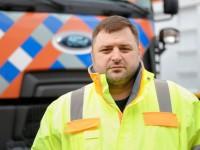 «Вы давно исповедовались?»: Водитель такси отчитала за неубранный снег в Запорожье заммэра Днепра
