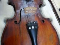 У иностранца конфисковали в запорожском аэропорту раритетную итальянскую скрипку (Фото)