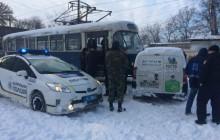 В центре Запорожья машина управляющей компании врезалась в трамвай
