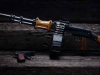 Вместо фейерверка: запорожец открыл стрельбу на детской площадке