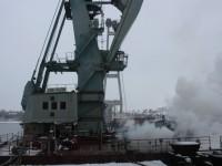 На стройплощадке запорожских мостов пожар тушили несколько десятков спасателей (Фото)
