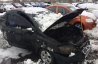 В центре Запорожья на стоянке сгорело авто (Фото)