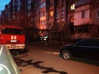 В запорожской многоэтажке произошел пожар – есть погибшие и пострадавшие (Фото)