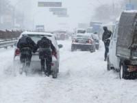 Запорожскую область засыпает снегом: дорожники перешли на круглосуточное дежурство