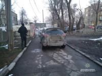 Водитель года: владелец «Мазды» заблокировал въезд в школу