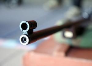 Житель запорожского села споткнулся и случайно выстрелил родственнику в голову из винтовки