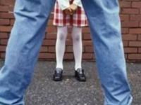 Приемный отец растлевал маленькую дочь: в полицию сообщили только через три месяца