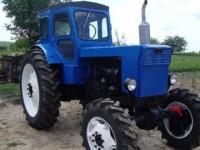 В Запорожской области учебный трактор отдали фермеру за 33 гривны