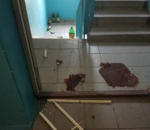 В подъезде депутата из Запорожской области устроили погром