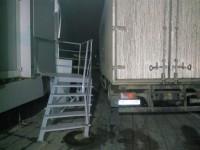 В Запорожье водитель грузовика «АТБ» врезался в ограждение элитного отеля (Фото)