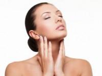 Красота не требует жертв: подтяжка шеи без операции поможет вернуть молодость