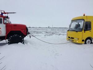 На запорожской трассе застрял школьный автобус с детьми