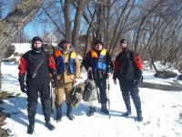 Под Запорожьем спасли дрейфующих на льдине рыбаков (Фото)