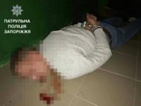 Запорожца осудили за стрельбу по патрульным из винтовки в подъезде дома