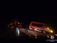 На запорожской трассе в снегу застрял автобус с австрийцами