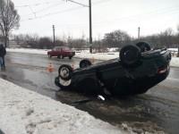 В Запорожье перевернулся на крышу автомобиль с пьяным водителем (Фото)
