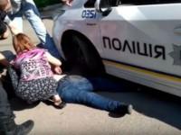 Суд отпустил запорожского патрульного, насмерть задавившего мать троих детей