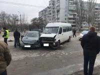 В тройной аварии с запорожской маршруткой пострадал ребенок