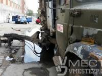 Опубликованы фото с места смертельного ДТП с мусоровозом