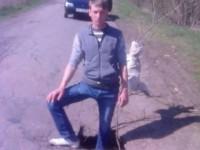 Фотофакт: В Запорожской области нашли на дороге яму по колено