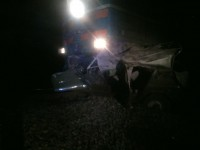 «В УАЗах такое бывает»: поезд протаранил авто, застрявшее на ж/д путях