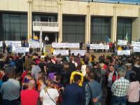 Работники ЗАЭС вышли на митинг требовать повышения зарплаты (Видео)