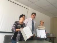 «Вместе легче»: В Запорожье подписали меморандум о сотрудничестве две ассоциации ОСМД (Фото)
