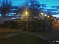 На въезде в Заводский район фура перевернулась на бок (Фото)