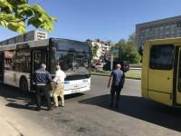 В центре Запорожья новый коммунальный автобус попал в ДТП (Фото)