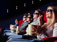 Ко дню рождения запорожского кинотеатра им. Довженко: о развитии и кризисе мировой киноиндустрии